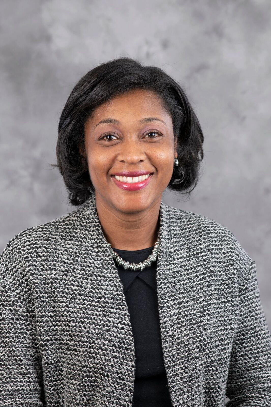 Headshot of Dr. Stephanie Dance-Barnes